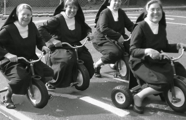 nuns-having-fun-12